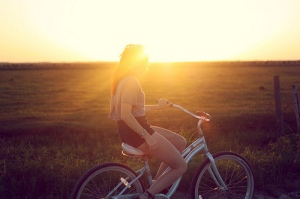 bicycle-breeze-country-field-girl-Favim.com-203181